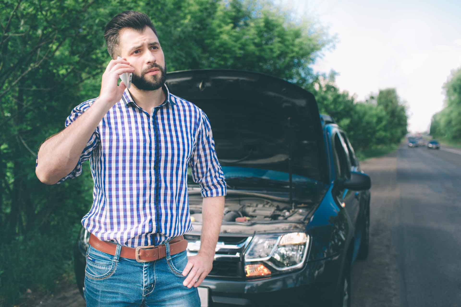 Contact Emergency auto towing service in Springdale, AR